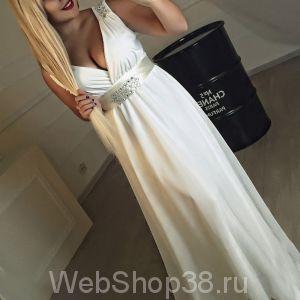 Белое вечернее платье в пол из шифона со стразами